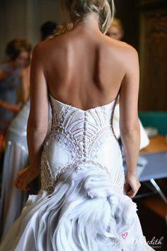 backless wedding dress. #wedding #lakecomo #weddingplanner #weddingdress