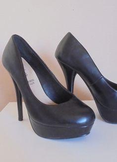 Kup mój przedmiot na #vintedpl http://www.vinted.pl/damskie-obuwie/platformy/10025362-czarne-obcasy-na-platformie-sinlyshoes