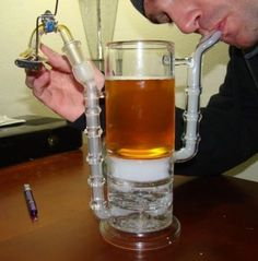 my kind of beer bong ( marijuana cannabis ) Beer Bong, Glass Pipes And Bongs, Cool Bongs, Homemade Beer, Smoking Accessories, How To Make Beer, Smoking Weed, Beer Brewing, Ganja