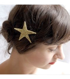 This Gold Sparkler Star Bobby Pin from #catbird needs to be in my hair.