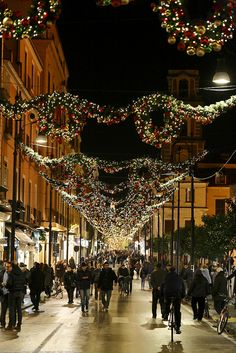 Holidays in Sorrento, Italy Christmas In Italy, Christmas Town, Italian Christmas, Christmas Lights, Italy Vacation, Italy Travel, Vacation Destinations, Places To Travel, Places To See
