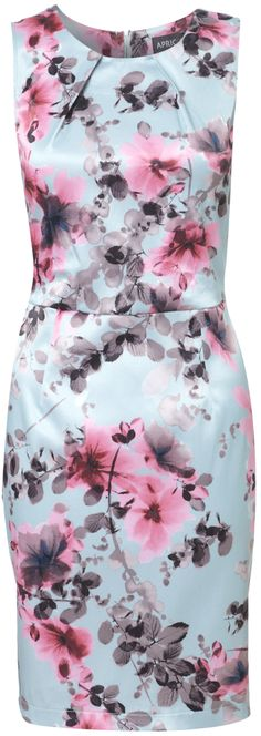 Read tips about wearing floral prints - http://www.boomerinas.com/2015/04/07/7-florals-for-spring-summer-color-your-wardrobe/