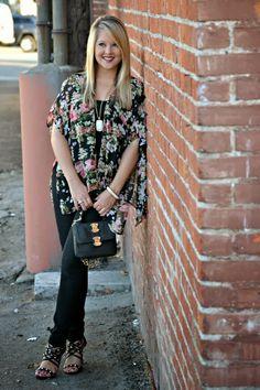 Floral Kimono, Black Skinny Jeans, Studded Heels & my black mini @Sole Society Natalya bag!