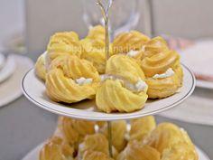 I bignè salati ai formaggi li presento come antipasto o finger food in un buffet salato, facili da preparare sono la versione salata dei famosi bignè dolci