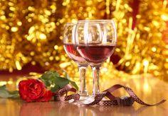 Prožijte letos Vánoce bez stresu v horském prostředí s ubytováním v Hotelu Hamr na úpatí Lysé hory. V ceně balíčku je štědrovečerní večeře, polopenze a sauna pro oba. Užijte si společnou dovolenou v atraktivní lokalitě Beskyd! White Wine, Red Wine, Alcoholic Drinks, Glass, Drinkware, Corning Glass, White Wines, Liquor Drinks, Alcoholic Beverages