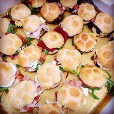 @ziarosetta you made our Saturday! Can't wait to try these cute minirosetta! #thefifteenkeyshotel #fifteenkeys #rionemonti #rome #ziarosetta #rosetta #minirosetta #food #italianfood #rome #roma