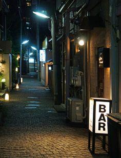 夜散歩のススメ「神楽坂 かくれんぼ横丁」東京都新宿区
