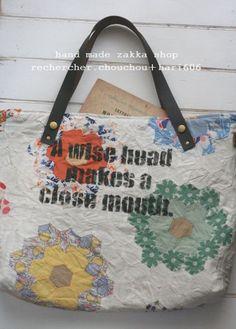両面アンティークキルトのbagです♪中はリネンキルトを使用して程よくしっかりと仕上げています。|ハンドメイド、手作り、手仕事品の通販・販売・購入ならCreema。