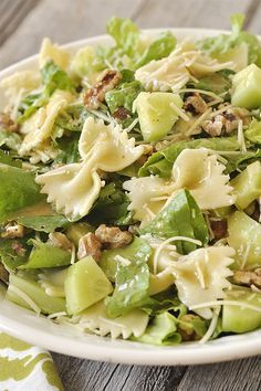 Caesar Pasta Salad brings the flavor of your favorite salad to pasta dish. Serve it as a side salad or add chicken to make it a delicious summer dinner. Caesar Pasta Salads, Pasta Salad Recipes, Salad Dressing Recipes, Cooking Art, Cooking Recipes, Healthy Salads, Healthy Eating, Healthy Recipes, Salad Bar