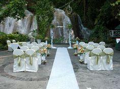 waterfall wedding at the ruins at the falls in