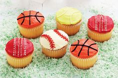 All your kids favourite sports are represented on this great party platter of cupcakes.