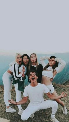 Hina / Sina / Sofia / Heyou / Noah ❤ Now United Best Friend Pictures, Bff Pictures, Friend Photos, Bff Goals, Best Friend Goals, Cute Friends, Best Friends, Best Bud, Gal Pal