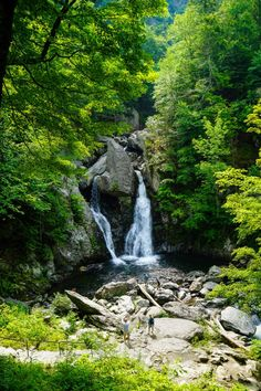 Bash Bish Falls is a great day hike in New England. Advice on hiking the Berkshires, MA side vs. Highest waterfall in Massachusetts! Waterfall Hikes, Day Hike, Wild And Free, Us Travel, State Parks, New England, Wander, North America, Trips