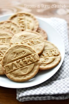 TODAY ON MY TABLE Peanut butter cookies Biscotti al burro d'arachidi