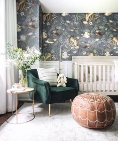 Discover the adorable floral design of the Oh Deer Wallpaper Mural from Project Nursery. This forest animal nursery wallpaper has friendly woodland critters. Hirsch Wallpaper, Deer Wallpaper, Nursery Wallpaper, Unique Wallpaper, Animal Wallpaper, Nursery Room, Girl Nursery, Kids Bedroom, Nursery Decor