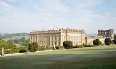 19 reasons why no one should ever visit the Peak District - Derbyshire Live Rhs Chatsworth, Chatsworth House, Rhs Flower Show, Chelsea Flower Show, La Sede, Walking Routes, Derbyshire, Filming Locations, Historic Homes