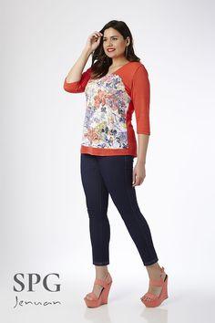 """Camiseta Flora!!! Tallas: S(42-44), M (44-46), L(48-50), XL(50-52), 2XL(54-56), 3XL(58-60, 4XL(62-64) """"SPG Jenuan"""" Ref:17157 (Envíos a toda España)"""