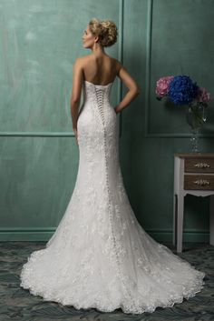 The charming strapless bateau neck white lace floor-length chapel train wedding dress with the fully lace and the sexy lace up button back and the chapel train