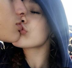 Cute Couple Ideas - Idea generator for couples Couple Kissing Images, Romantic Couple Kissing, Cute Couples Kissing, Cute Couples Photos, Cute Couples Goals, Romantic Couples, Couple Pictures, Couple Goals, Relationship Goals Pictures