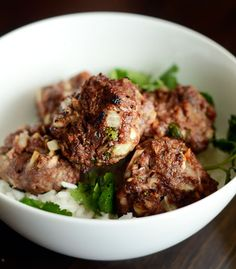 Make ahead, freeze ahead recipe for Spiced Lamb Meatballs ~ warmly spiced with garam masala, fragrant with onion, ginger & garlic Lamb Recipes, Indian Food Recipes, Dinner Recipes, Cooking Recipes, Indian Foods, Meatloaf Recipes, Meatball Recipes, What's Cooking, Cooking Ideas