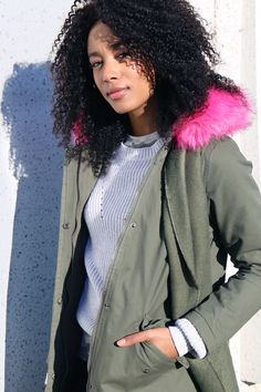 Ardene babes Marilou and Jade know how to look fab AND stay cozy as temperatures drop. Let's take notes from these style queens. Sometimes busting out the winter gear can be frightening, but having… Winter Gear, What's Trending, Clothing Styles, Jade, Queens, That Look, Bomber Jacket, Notes, Cozy