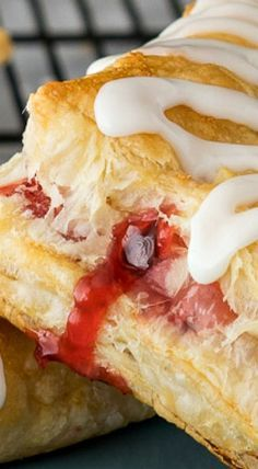 Super Easy Cherry Turnovers are one of the easiest desserts to make and the fastest to disappear! Cherry Desserts, Cherry Recipes, Easy Desserts, Delicious Desserts, Dessert Recipes, Yummy Food, Puff Pastry Desserts, Puff Pastry Recipes, Phyllo Dough Recipes