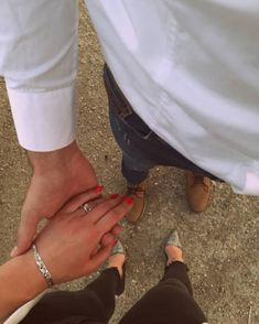 Find images and videos about love, style and couple on We Heart It - the app to get lost in what you love. Cool Girl Pictures, Cute Couple Pictures, Couple Photos, Cute Couples Goals, Couple Goals, Hijabi Girl, Digital Portrait, Aesthetic Iphone Wallpaper, Couple Photography