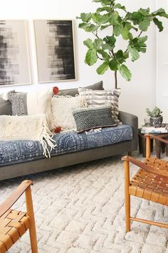 Amber Interiors | How to Style Loloi Rugs and Pillows