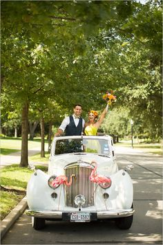 wedding exit ideas | getaway car | vintage car | colorful and bold wedding | #weddingchicks