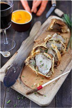 Rôti de veau aux oignons et à la moutarde en croûte feuilletée