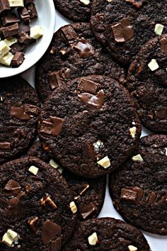 Chocolate Chunk Cookies are the ultimate chewy cookie for chocolate lovers. Chocolate cookie plus chunks of milk and white chocolate! A true comfort food cookie! Bake Sale Recipes, Baking Recipes, Cookie Recipes, Dessert Recipes, Bar Recipes, No Bake Cookies, Cookies Et Biscuits, Cookie Cakes, Baking Cookies