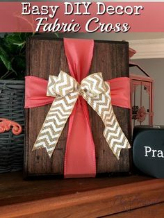 Some of my favorite DIY decor is for summer and spring. This fabric cross on wood can transition from spring to Easter. See how easy it is! fabric crafts Easy DIY Decor - Easy Fabric Cross on Wood Decor Diy Home Crafts, Easy Diy Crafts, Wood Crafts, Diy Wood, Decor Crafts, Wooden Cross Crafts, Wood Wood, Easter Crafts For Adults, Diy Simple