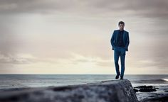Joshua Jackson in Paul Smith for Mr Porter, demonstrating the unexpected awesome of blue-on-blue.