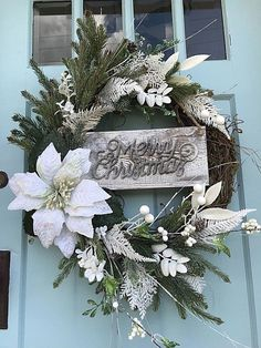 Fabulous Winter Wreaths Design Ideas You Never Seen Before - At the point when a large portion of us consider front door wreaths we think circle, evergreen, and Christmas. Wreaths come in a wide range of materia. Spode Christmas Tree, Christmas Time, Christmas Crafts, Christmas Decorations, Christmas Ornaments, Holiday Decor, Merry Christmas, Christmas Music, Christmas Movies