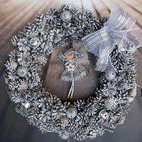 Zboží prodejce Vendulane / Zboží | Fler.cz Christmas Wreaths, Christmas Decorations, Holiday Decor, Hanukkah, Home Decor, Decoration Home, Room Decor, Christmas Decor, Ornaments