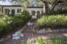 This beautiful Mexican-style home was once Katharine Hepburn's, and now it could be yours.
