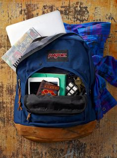 New tech accessories. Same classic pack. While our devices become obsolete after a few years, the JanSport Right Pack was the first of its kind, and has a style that's endured.
