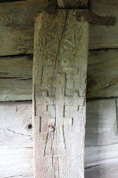 Biserica de lemn din Porumbeni05 - Biserica de lemn din Porumbeni - Wikipedia Haile Selassie, Wooden Crosses, Cross Art, Crucifix, Wood Work, Sacred Geometry, Hungary, Romania, Religion