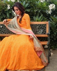 Kundali Bhagya actress Shraddha Arya is here to make heads turn with her stylish outings in orange on Day 5 of the festival - Right from Shubharambh from Ethnic Outfits, Indian Outfits, Fashion Outfits, Ethnic Dress, Indian Clothes, Fasion, Women's Fashion, Indian Gowns Dresses, Pakistani Dresses