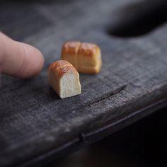"""2,284 mentions J'aime, 1 commentaires - Kiyomi (@chiisanashiawase2015) sur Instagram : """"・ original handmade miniature size 1/12 ・ 息子の運動会、雨で中止となりました ・ 朝から食パン どうしても焼き色、塗り過ぎてしまいます…"""""""