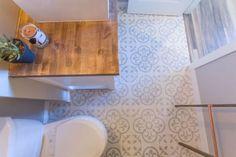 awesome 17 Beautiful and Modern Farmhouse Bathroom Design Ideas http://matchness.com/2018/01/29/17-beautiful-modern-farmhouse-bathroom-design-ideas/