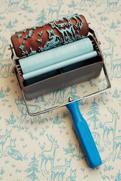 Un tampon qui permet de peindre les murs, les meubles et les tissus !