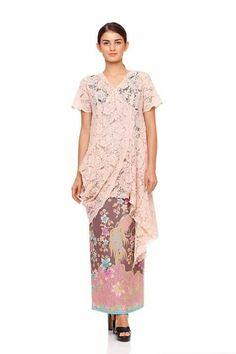 #Malaysia Latest Baju Kurung : Kebaya cantik #Baju #BajuKurung #BajuKurungModen #BajuKurungRaya Kebaya Lace, Kebaya Brokat, Batik Kebaya, Kebaya Dress, Dress Brukat, Lace Dress, Draped Dress, Blouse Batik, Batik Dress