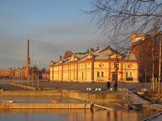 Vaasan sisäsatama, nykyisin Kuntsinranta on yksi kaupungin matkailun kehityskohteita.  Rannassa järjestetään joka alkusyksy perinteiset Siika- ja silakkamarkkinat.