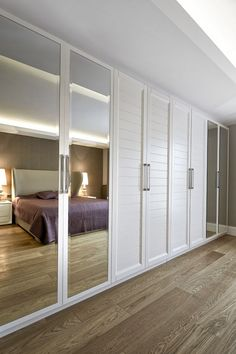 22 Comfort Functionality Bedrooms To Add To Your List interiors homedecor interiordesign homedecortips Source by petpenufva Built In Wardrobe Designs, Bedroom Built In Wardrobe, Bedroom Closet Doors, Bedroom Cupboards, Bedroom Closet Design, Bedroom Wardrobe, Closet Designs, Bedroom Decor, Mirrored Closet Doors