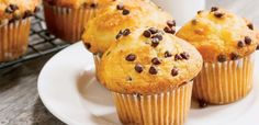 Chocolate chip muffins from our free daily breakfast each morning Cake Cookies, Cupcake Cakes, Moist Chocolate Chip Muffins, Cap Cake, Banana And Egg, Mini Chips, Cake Factory, Mini Muffins, Pudding Recipes