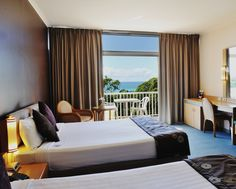 Opal Cove Resort - Twin Deluxe Oceanside Room