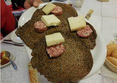 Il fanzelto o fanzeltem di grano saraceno della Valle di Terragnolo (TN)   E' un pane sottile tradizionale preparato con il grano saraceno (formentòm). Il fanzelto consiste in una specie di omelette preparata con grano saraceno, acqua e sale. La cottura viene effettuata con un po' di strutto in una padella di ferro, soprattutto per il consumo domestico. La sua preparazione è nata per far fronte alla scarsità di grano, e quindi di farina bianca.