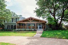 14 Favorite Front Yard Trees | HGTV Best Exterior Paint, House Paint Exterior, Dream House Exterior, Exterior House Colors, Modern Exterior, Exterior Design, Traditional Exterior, Brick House Colors, House Paint Color Combination