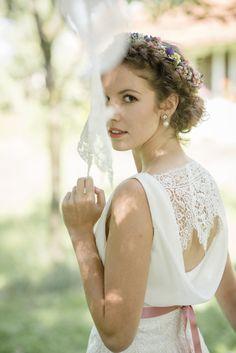 """Brautkleid """"Marlene"""": Zartes Chiffonkleid im Vintage-Stil entworfen von Modedesignerin Claudia Heller aus Köln."""
